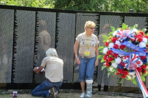 Making an Etching at the Moving Vietnam Wall